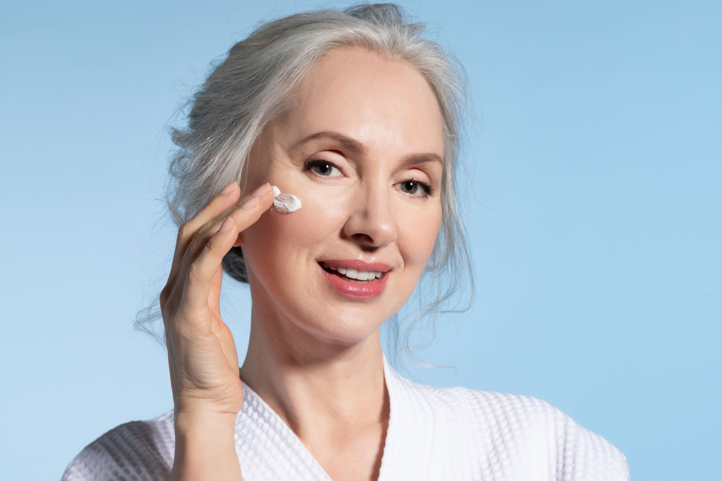 Anti Aging Gesichtscreme: Test, Wirkung, Anwendung & Studien (04/21)